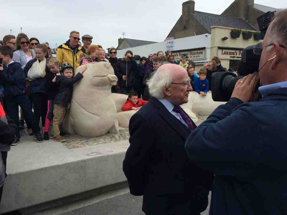 Michael-d higgins-artist-paul-darcy